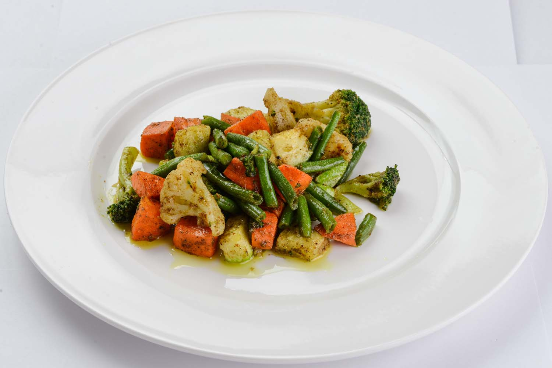 Жареные овощи с карри соусом
